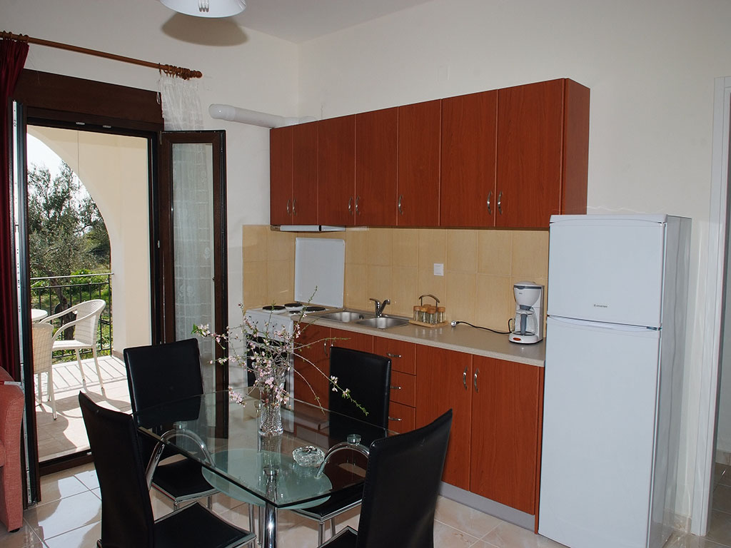 Camere in affitto elaionas studios apartments gythio for Camere affitto
